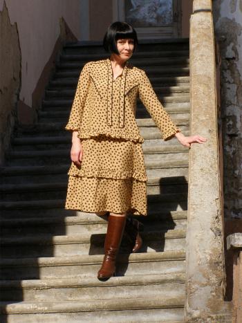 Сукня з оборками