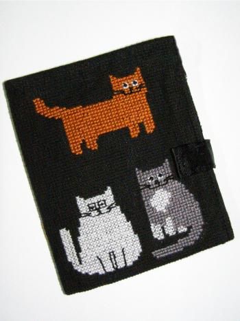Вишитий гаманець з котами