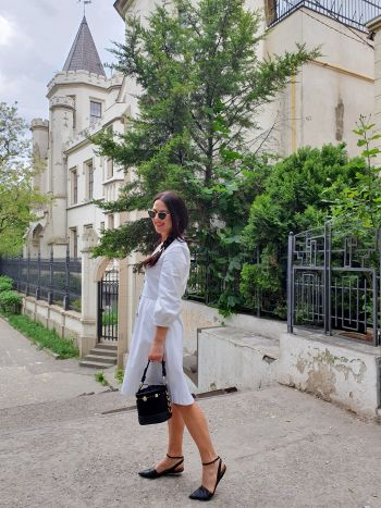 Сукня біленька