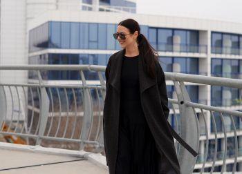 Пальто з широким коміром
