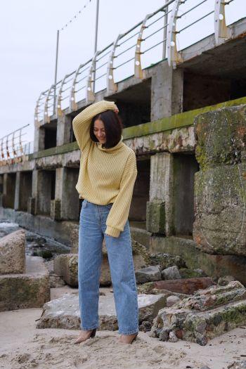 Пуловер з коміром