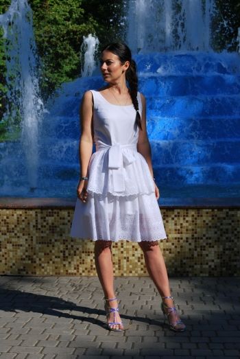 Біла сукня!