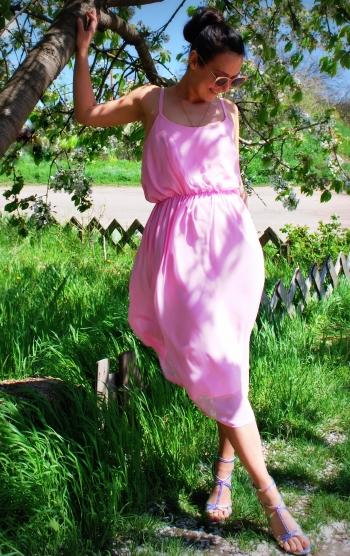 Зефірно-рожеве плаття