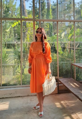 Сукня - апельсин! ;))