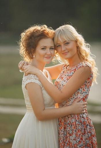 Сукня на весілля сестри