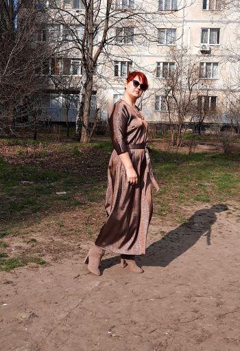 Проста квітнева сукня