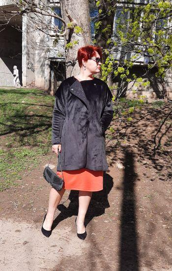 Майже оксамитове пальто