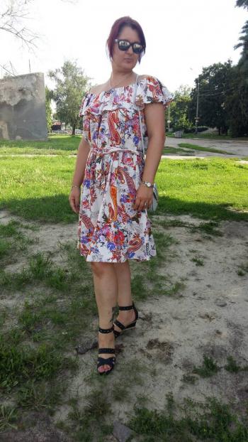 Сукня-кармен для себе