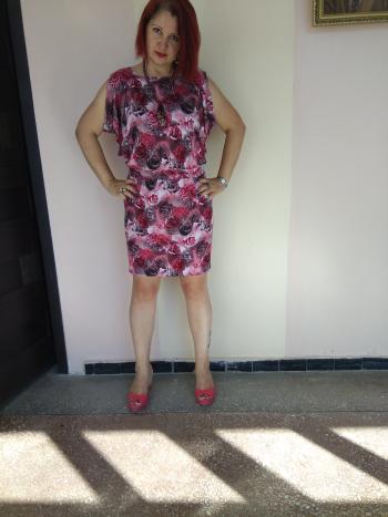 Сукня з трояндами