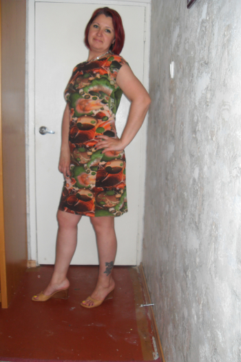 Сукня - вся краса позаду