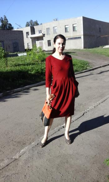 Сукня з кишенями