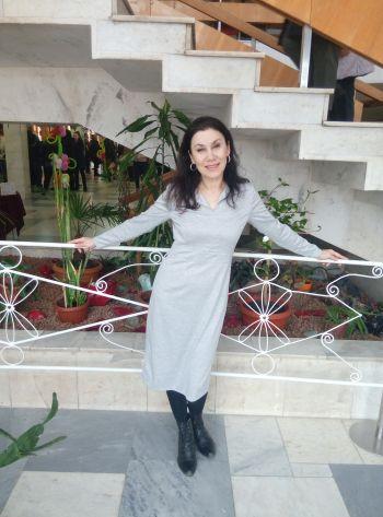 Сукня сіра.Класична