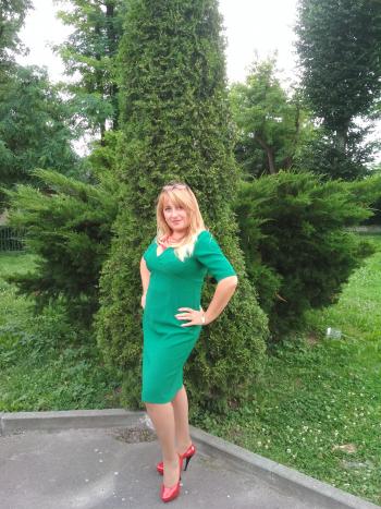 Смарагдова сукня