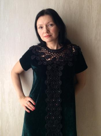 Оксамитова маленька сукня