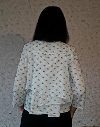 Блуза з максі воланом