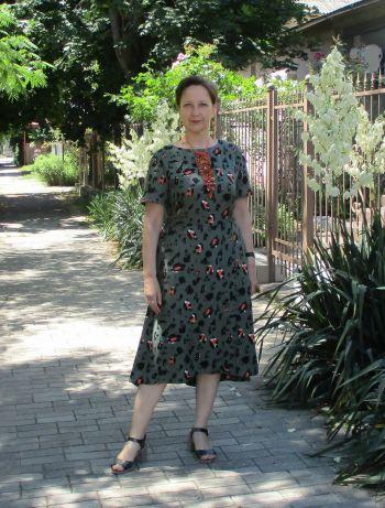 Сукня зі спідницею на запах