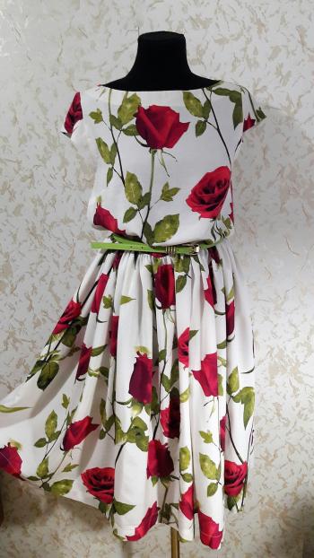 """Сукня зі штапелю """"Трояндова сутність"""""""