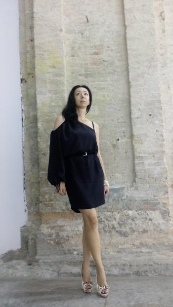 Шовкова сукня для спекотного літа