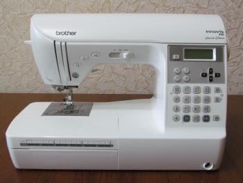 Моя іграшка - нова швейна машина