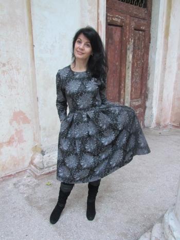 Сукня в хризантемах