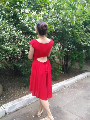 Сукня, а ззаду - бантик