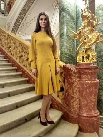 """""""Театральна"""" сукня"""