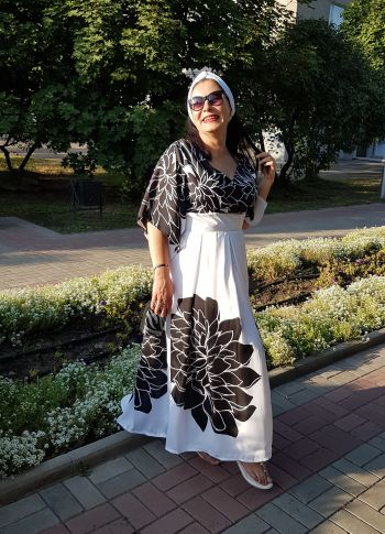 Сукня з жоржинами