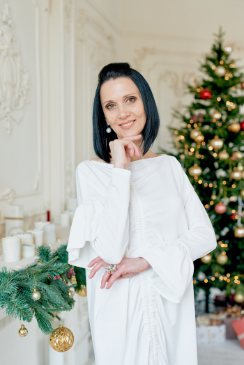 Новорічний сюрприз або біла сукня в стилі oversize