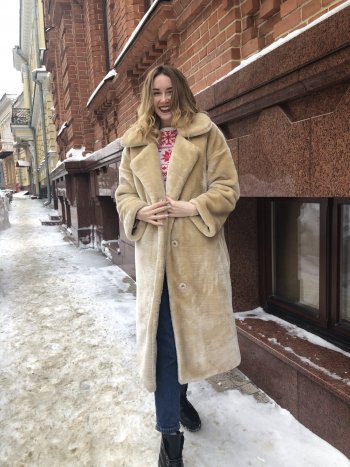 Пальто з еко-хутра