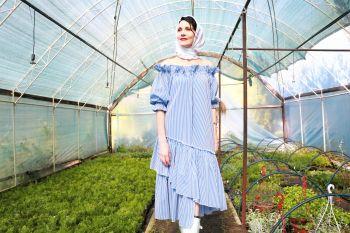 Сукня-парашут з пишними рукавами. Стань моделлю для новорічної обкладинки Burda Style.