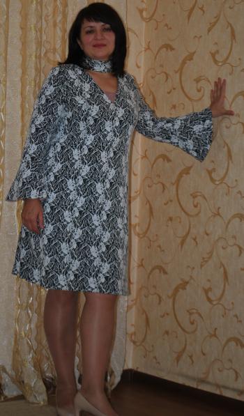 Сукня з чокером