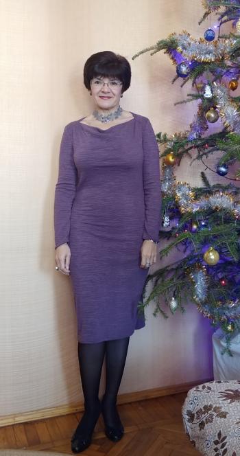 Дві сукні за однією викрійкою
