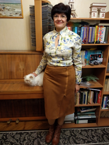 Замшева спідниця та блузка -ветеран