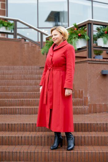 """""""Казковий грудень"""" або червона сукня-пальто"""