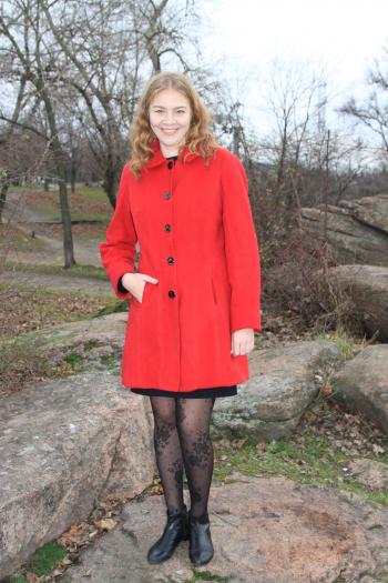 Улюблене червоне пальто