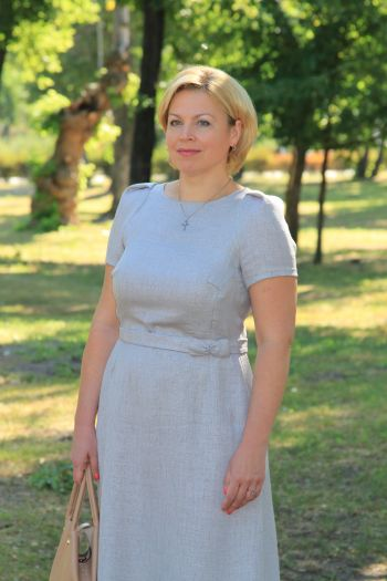 Перлинно-сіра сукня