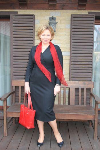 Маленька, чорна, вінтажна сукня