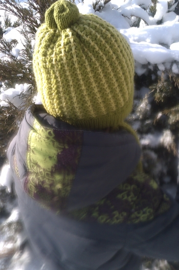 Зимова шапочка з жакардовим візерунком і шарф