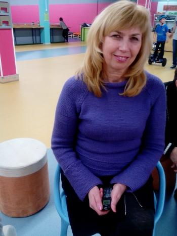 Пуловер лілового кольору