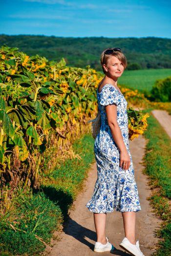 Сукня з квітами в стилі Гжель