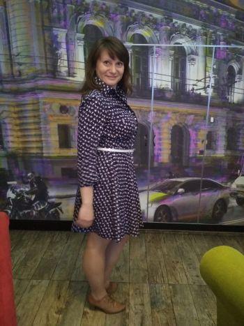 Сукня з ластівками