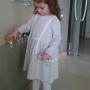 Сукня для дівчинки