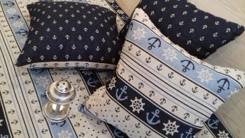Ідеї декору в морському стилі: подушка