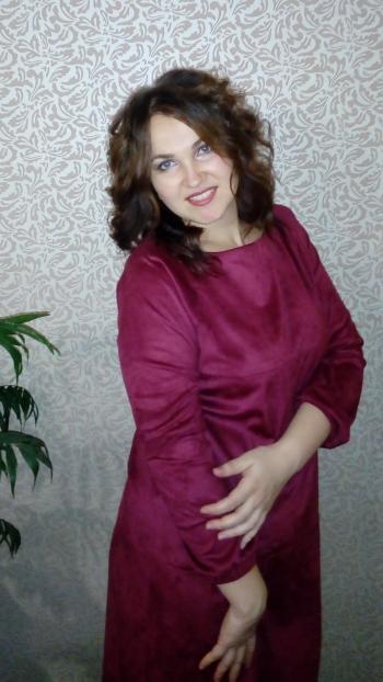 Замшева сукня бордо