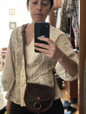 Блузка з пишними рукавами