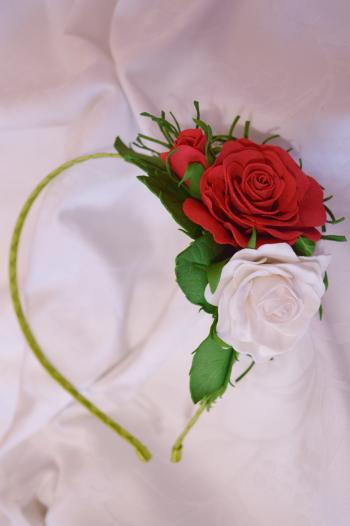 """Обруч """"Червона та біла троянди"""""""
