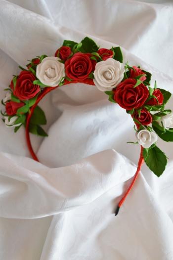 Вишукана прикраса з трояндами
