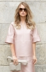 Блуза прямого крою з рельєфними швами - фото 1