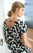 Блузка прямого крою з V-подібним вирізом на спинці - фото 1