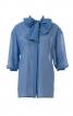 Блузка прямого крою з коміром-бантом - фото 2